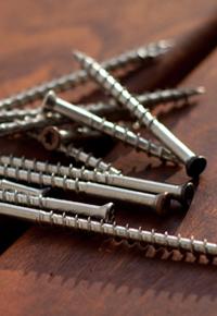 Painted head screws for fastening decking