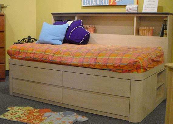 mica storage daybed