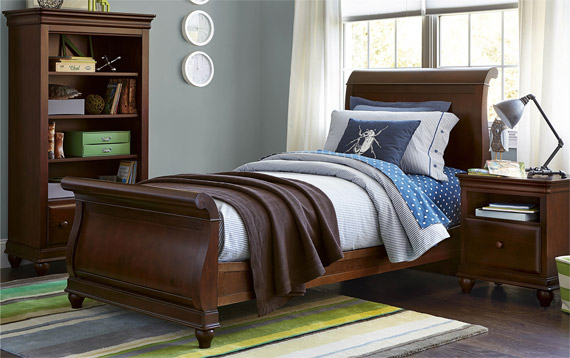 classics 40 cherry sleigh bed twin