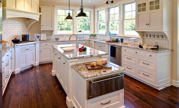 Kitchen with custom milled Rehmeyer hardwood flooring