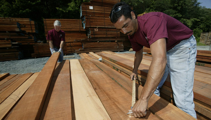 picking lumber at mcilvain