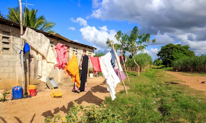 dominican republic clothing line drying